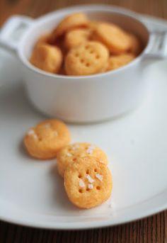 Lunni leipoo: Cheddar-suolakeksit