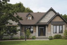 With the look of hand-crafted stone, Artiste stone elevates any architecture with its striking beauty. Brick Colors, Brickwork, Bungalow, Cabin, Colours, Stone, Architecture, House Styles, Gallery
