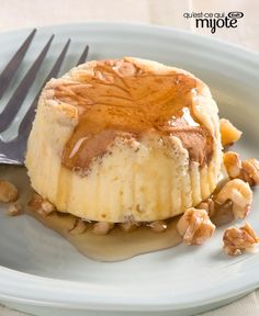 Drizzle your best Canadian maple syrup on these tasty mini cheesecakes. It's the ultimate dessert to serve at your Canada Day party. Tap or click photo for this easy Mini Maple-Walnut Cheesecakes (baking recipes cupcakes maple syrup) Cheesecake Recipes, Cupcake Recipes, Baking Recipes, Dessert Recipes, Dessert Ideas, Cake Ideas, Mini Cheesecakes, Mini Desserts, Sweet Desserts