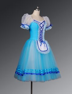 OMG this would be PERFECT for Alice in Alice in Wonderand am I right Eden K. And Erin M.?!?!?