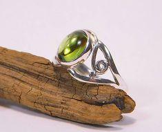 majlagalery / Olivín strieborný prsteň