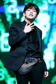 Tae is soooo rudeeee!!!V