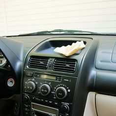 Clean Your Car With a Coffee Filter If your car collects debris like it's a lint magnet, keep things under control with the help of a coffee filter. Simply dab a little olive or vegetable oil on the coffee filter and then rub it over your car's console. Car Cleaning Hacks, Car Hacks, Cleaning Solutions, Daily Cleaning, Spring Cleaning, New Car Smell, Car Console, Car Fix, Clean Your Car