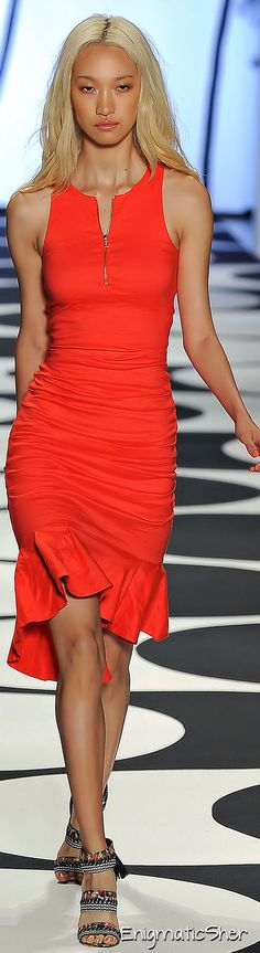 Nicole Miller Spring Summer 2015 Ready-To-Wear <3 Love the color!!