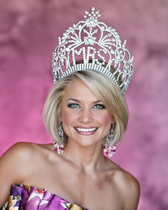Should A Mrs. Pageant Interview Be Like A Job Interview?  http://thepageantplanet.com/should-a-mrs-pageant-interview-be-like-a-job-interview/