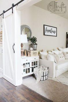 Rustic Farmhouse Living Room Decor Ideas 40 #ExteriorDesignColor #LampsLivingRoom