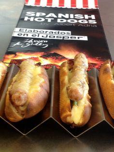 La novedad de este año: los Spanish Hot Dogs by Albert Adrià elaborados en el JOSPER
