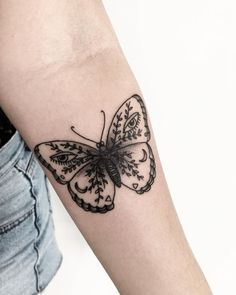 30 pretty butterfly tattoo designs for women tattoos and pie Mandala Tattoo Design, Dotwork Tattoo Mandala, Design Tattoo, Butterfly Tattoo Designs, Tattoo Designs For Women, Tattoos For Women, Vintage Butterfly Tattoo, Butterfly Mandala Tattoo, White Butterfly Tattoo