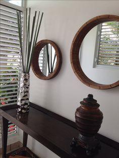 Para recibidores y pasillos estrechos.. Ve a mi nuevo blog: http://www.mikosmosinteriors.com/single-post/2016/07/13/¿Recibidor-o-pasillo-estrecho #home #decor #interiores