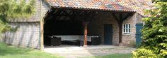 Ruime vakantieboerderij op vakantiepark Dierenbos, voor 10 tot 12 personen in 5 slaapkamers. Vakantiesvoorgrotegezinnen.nl