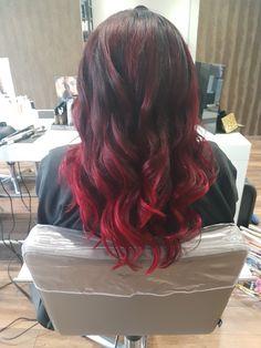 Cherry red ombre by 'De Beautyfabriek'