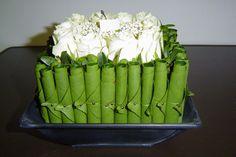 Low Centerpieces, Flat Ideas, Leaf Flowers, Arte Floral, Asparagus, Planting Flowers, Floral Arrangements, Wedding Gifts, Planters