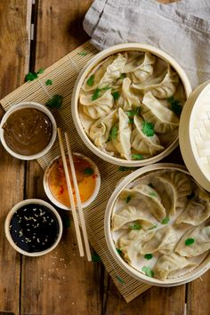 Three types of vegetarian dumplings - steam and fill dumplings - You can find them under many names on the lists of Asian restaurants, e. as Dumplings, Dim Sum or - Vegetarian Types, Vegetarian Recipes, Healthy Recipes, Vegetarian Meatballs, Vegetarian Appetizers, Asian Recipes, Ethnic Recipes, Chinese Recipes, Dim Sum