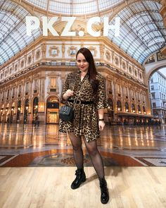 ROXANE - Style : A cool Fall/Winter 2019 look featuring a leopard mini dress, black chunky boots and a Night&Day bag by De Marquet. Chunky Boots, Day Bag, Day For Night, Fitness Inspiration, Special Events, Dress Black, Chloe, Fall Winter, Mini