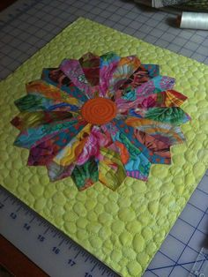 Uncover More Masterly Kaffe fassett quilts dresden plate ideas Batik Quilts Free Kaffe Fassett Quilts Dresden Plate. Dresden Plate Patterns, Dresden Plate Quilts, Quilt Patterns, Small Quilts, Mini Quilts, Quilting Projects, Quilting Designs, Applique Designs, Embroidery Designs