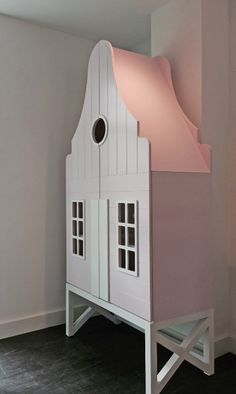 This is dutch - The Shopping List Little Girl Bedrooms, Bed For Girls Room, Girls Bedroom, Kids Room, Room Ideas Bedroom, Baby Room Decor, Bedroom Decor, Toy Cupboard, Ikea Regal