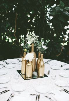 DIY Wedding Decorating: 60 unglaubliche Ideen DIY Wedding Decorating: 60 unglaubliche Ideen The post DIY Wedding Decorating: 60 unglaubliche Ideen & DIY Hochzeit & Brautparty appeared first on Geometric decor . Rose Gold Centerpiece, Gold Centerpieces, Centerpiece Ideas, Gold Wedding Decorations, Mirror Centerpiece, Table Centerpiece Wedding, Wedding Centerpieces Cheap, Engagement Party Centerpieces, Cheap Table Decorations
