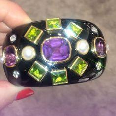 VERDURA 💜💚🖤 For those who know....... #cocochanel #chanel #history #classic @verdurajewelry #insidebg #bergdorfgoodman #jewelry #glam #fabulous #fab #sparkle #shine #design #beautiful #styles #celebrity #love #bracelet #cuff #peridot #diamond #diamonds #musthave #style #gemstone #fashion #luxurylife #luxury #forthosewhoknow