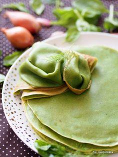 Naleśniki szpinakowe. Zielone na talerzu | Smaczna Pyza Ethnic Recipes, Food, Essen, Meals, Yemek, Eten
