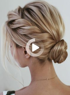 13 Ways to Hold Elegant Weddings 13 Ways to Hold Elegant Weddings Elegant wedding ideas to wow your guests---updo hairstyls with low bun chignon and side braid<br> Braided Hairstyles Updo, Prom Hairstyles For Short Hair, Chic Hairstyles, Homecoming Hairstyles, Trending Hairstyles, Braided Updo, Rope Braid, Bride Hairstyles, Chignon Bun