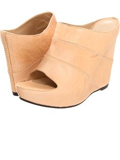 Stuart Weitzman at 6pm. Free shipping, get your brand fix!