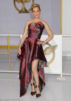 Elizabeth Banks - this dress is so beautiful!