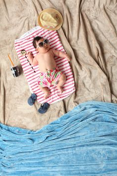 Cute Good Morning Baby Images and Pictures for WhatsApp So Cute Baby, Cute Babies, Newborn Baby Photography, Newborn Photos, Beach Baby Photography, Urban Photography, Baby Am Strand, Baby Monat Für Monat, Foto Newborn