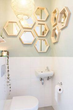 Toilet make over Studio blondhout make over toilet Over Toilet, Small Toilet, Bathroom Mirror Cabinet, Mirror Cabinets, Bathroom Storage, Bathroom Interior, Interior Design Living Room, Bathroom Remodeling, Interior Decorating