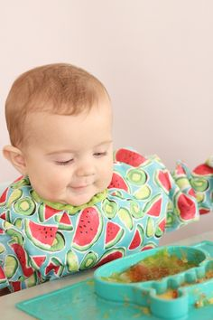 Grippo 2-in-1 Silicone Placemat and Plate in Kiwi Messy Play, Wet Wipe, Baby Led Weaning, Baby Safe, Baby Online, Happy Baby, Free Baby Stuff, Baby Essentials, Having A Baby
