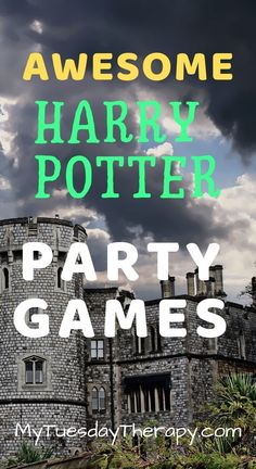 Easy Harry Potter Party Games and Activities for Kids and Teens. Cool Harry Potter Party Ideas On Budget. Anyone can throw an awesome Harry Potter birthday party with these ideas. Harry Potter Adult Party, Harry Potter Halloween Party, Harry Potter Games, Harry Potter Christmas, Harry Potter Birthday, Harry Potter Weihnachten, Harry Potter Activities, Birthday Party For Teens, 11th Birthday
