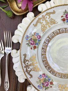 Stunning vintage china for your wedding head table!