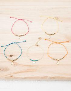 Bershka Turkey - Summer charm bracelet set - The best diamond fashion Wish Bracelets, Jewelry Bracelets, Jewelery, Homemade Jewelry, Diy Jewelry, Jewelry Making, Diy Fashion Accessories, Jewelry Accessories, Shoe Crafts