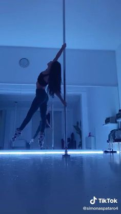 Pole Fitness Moves, Pole Dancing Fitness, Dance Workout Videos, Dance Videos, Pole Classes, Cool Dance Moves, Pole Tricks, Gymnastics Workout, Gym Workout For Beginners