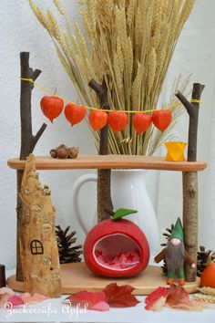 Our season table in autumn & the most beautiful fairy gates (give-away) Waldorf Crafts, Waldorf Toys, Rudolf Steiner, Nature Table, Beautiful Fairies, Fall Table, Wood Toys, Felt Crafts, Diy Gifts