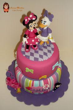 minnies bowtique cakes | Bolo da Minnie e da Margarida! Bolo inspirado na série Bowtique da ...