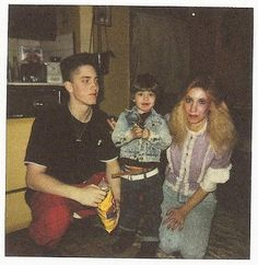 Young Eminem with brother, Nate, and his mother, Debbie Eminem marshall mathers slim shady b-rrabit stan like like like just for Eminem soldiers!! https://www.facebook.com/pages/Eminem-Soldiers-Colombia/1426507957568769
