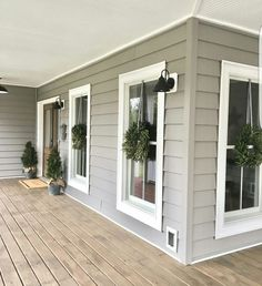 Rustic farmhouse porch decorating ideas (30)