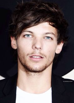 Favorite shade: Louis' eyes Hobbies: forgetting to breath while staring at my favorite shade of blue. Louis Tomlinson, Ocean Blue Eyes, X Factor, Larry Shippers, One Direction Imagines, Wattpad, Louis Williams, Attractive People, Larry Stylinson