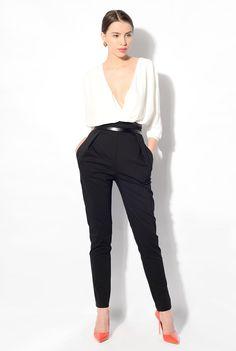 Pantaloni cu talie inalta, cu pense si buzunare. POEMA Promotii Noutati  online