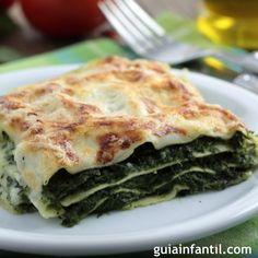 Spinach Lasagna Recipe – Are you ready for cheese hearty dish spinach lasagna you will love to make it. It is simply delicious and yum dish. Spinach lasagna with three types of cheese and herbs, layered with red sauce and noodles. Cheese Lasagna, Spinach Lasagna, Tofu Lasagna, Healthy Lasagna, Eggplant Lasagna, Vegetarian Recipes, Cooking Recipes, Healthy Recipes, Lasagna Recipes