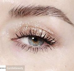 Beautiful sparkly eye shadow.  Perfect for a bride or her bridesmaids at a Christmas wedding.