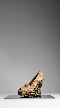 Burberry - WOVEN RAFFIA WEDGE SHOES. Love love love.