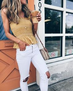 Here's What To Wear With White Jeans On A Night Out, Just In Case You're Wondering, Spring Outfits, If you're wondering what to wear with white jeans on a night out, sinched tops are one of our favorite looks! Women's Summer Fashion, Look Fashion, Fashion Outfits, Womens Fashion, Fashion Tips, Fashion Trends, Fashion Design, Feminine Fashion, Fashion Ideas