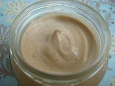 MASQUE CHEVEUX SECS + ACTIVE POUSSE RECETTE PHASE AQUEUSE 10 g jus de citron (éclat, brillance, cheveux abimés) 10 g vinaigre de cidre (favorise la pousse, brillance, démêlant) 20 g lait de coco (stimule la pousse) 10 g eau pure PHASE HUILEUSE 15 g huile...