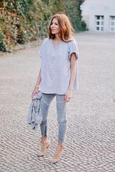 Grey//