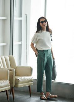 Uniqlo The perfect summer work outfit. Birkenstock Outfit, Kids Outfits, Casual Outfits, Fashion Outfits, Uniqlo Women Outfit, Uniqlo Style, Summer Lookbook, Office Looks, Mode Style