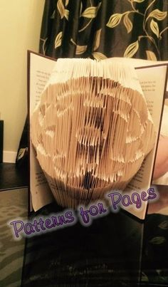 Book folding pattern for a CIRCLE OPTICAL by PatternsForPages on Etsy, 20% off at the moment too