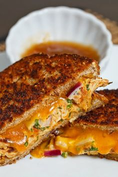 Tandoori Chicken Melt- I never thought of turning Tandoori chicken into sandwiches.also links to a recipe for Tandoori Chicken. Grilled Tandoori Chicken, Tandori Chicken, Chicken Melt Recipe, Chicken Recipes, Indian Food Recipes, New Recipes, Cooking Recipes, Korma, Tandoori Recipes