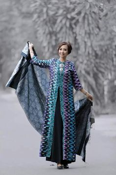 Cantik Batik Fashion, Abaya Fashion, Ethnic Fashion, Modest Fashion, Blouse Batik, Batik Dress, Kimono, Traditional Fashion, Traditional Outfits