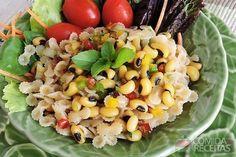 Receita de Salada de feijão fradinho com macarrão ao molho vinagrete